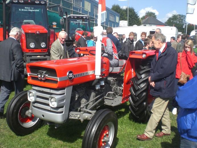 1966 Massey Ferguson Tractor : Restored